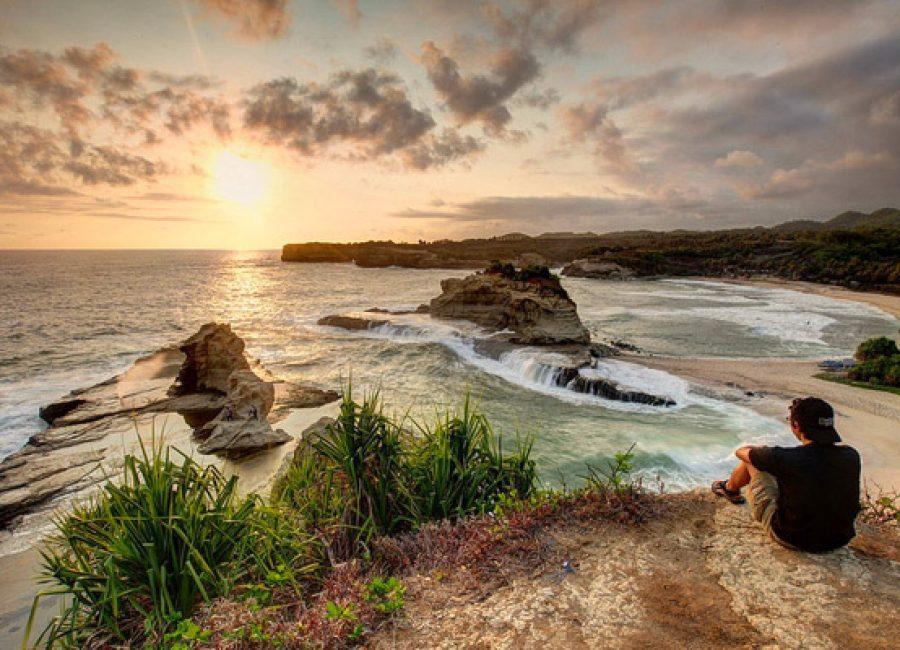 sunset-pantai-klayar